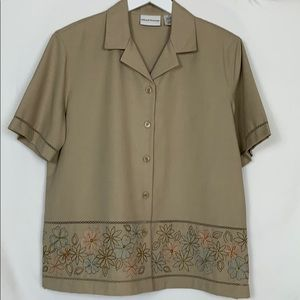 Alfred Dunner size 16 tan button down top